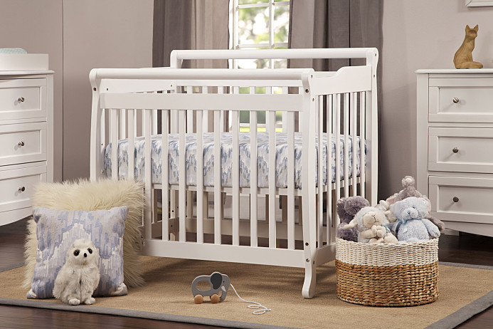 elegant baby furniture. Million Dollar Baby. Emily Crib From DaVinchi. Elegant Baby Furniture O